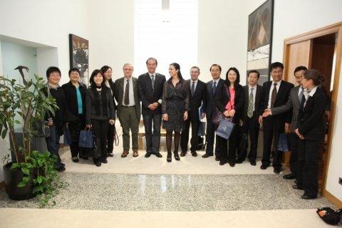 Imaxes visita o parlamento. - Xornadas sobre autonomías en España e China: Galicia como exemplo